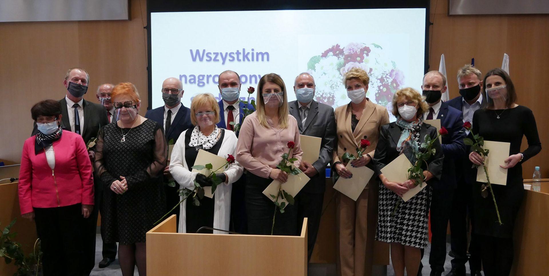 Podziękowania i nagrody w cieniu pandemii