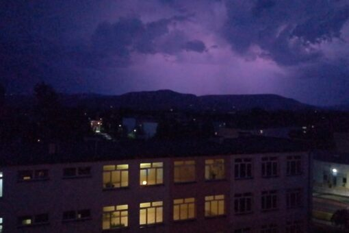burza z gradem