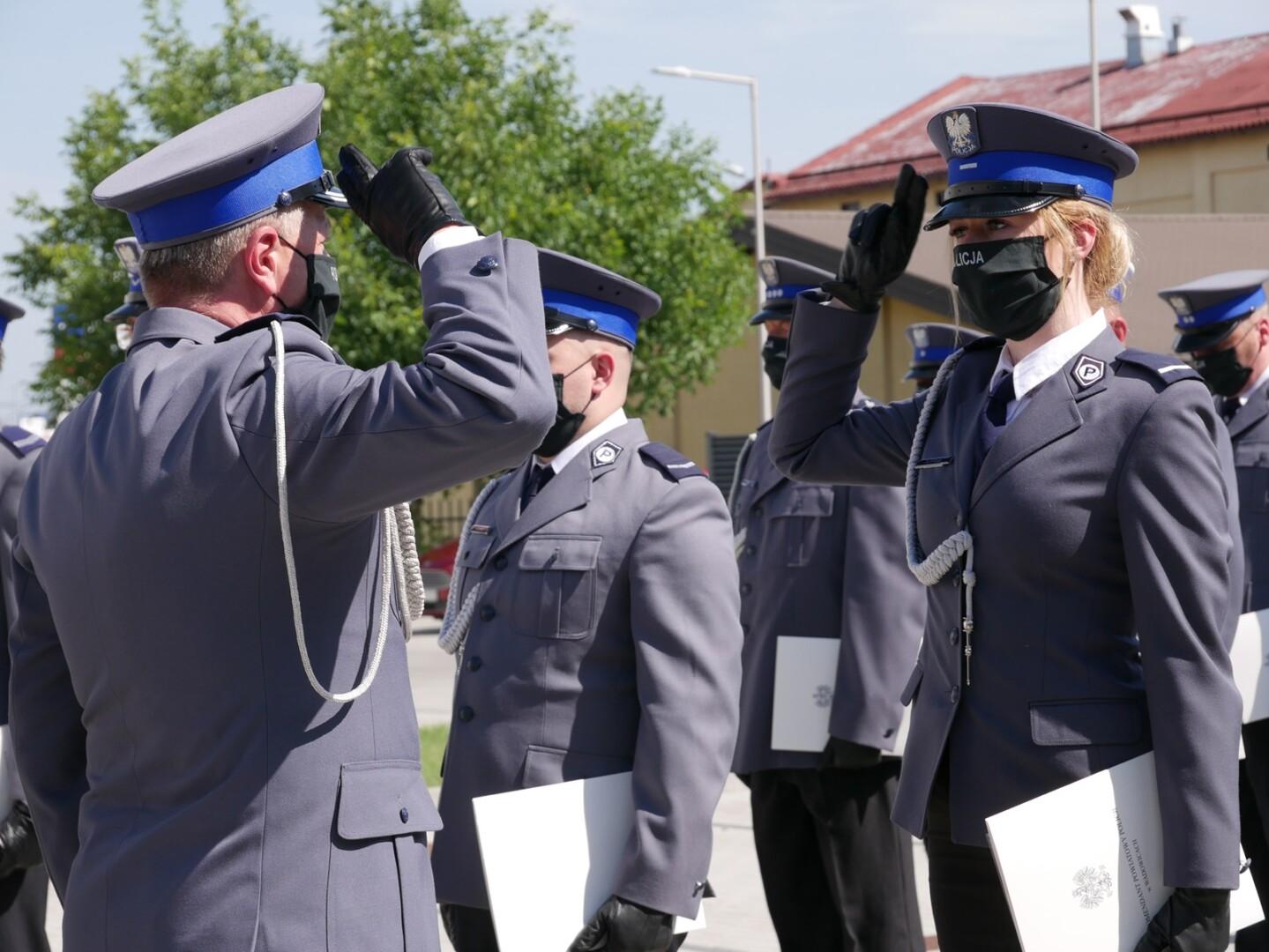 wręczenie awansów podczas tegorocznych obchodów Święta Policji w Wadowicach