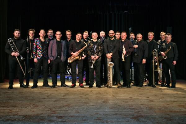 Big band działający przy Stowarzyszeniu Orkiestra Dęta OSP w Roczynach