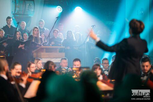 """w Roczynach zorganizowano koncert """"Radość miłosierdzia"""""""